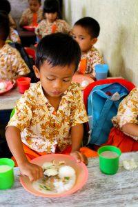 Pt Toba Pulp Lestari Tbk Kembali Laksanakan Pemberian Makanan